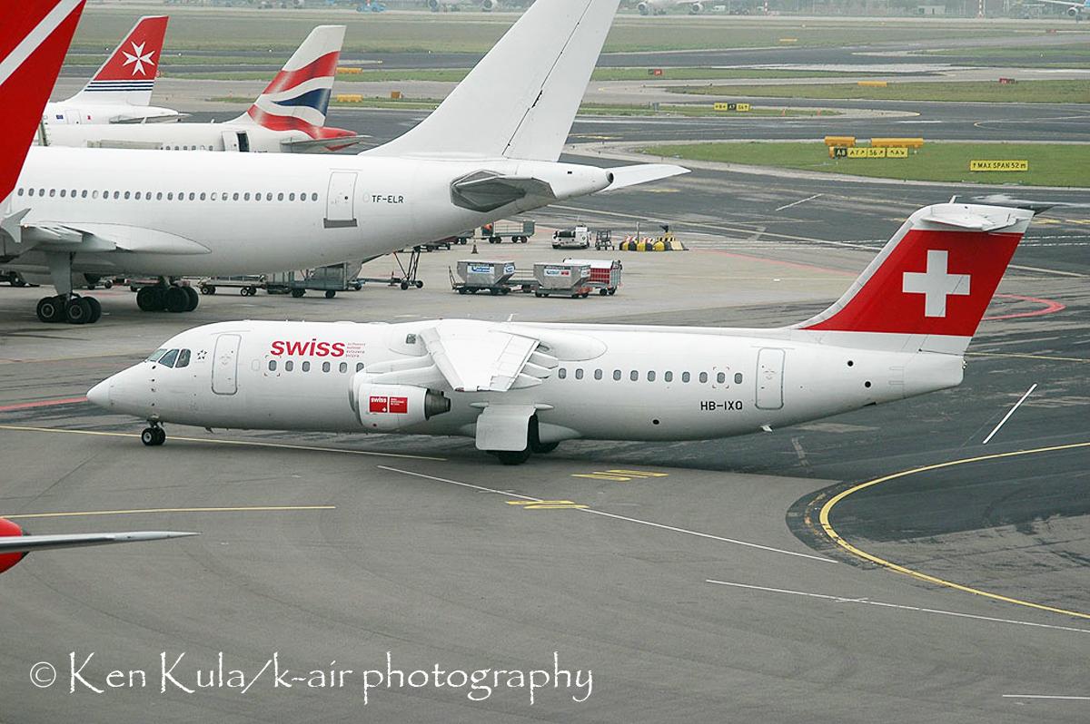 AVRO RJ-100  (1).jpg