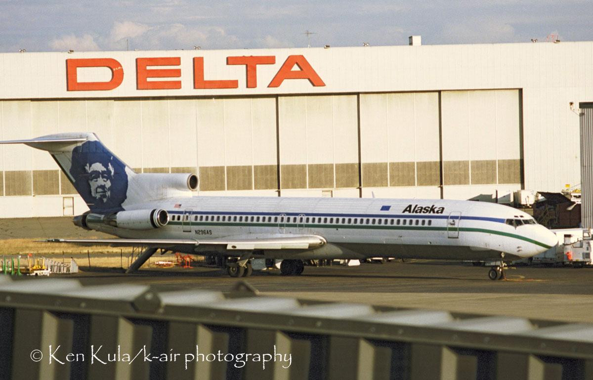B-727-212 (ADV).jpg